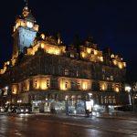 Edinburgh er smuk om natten