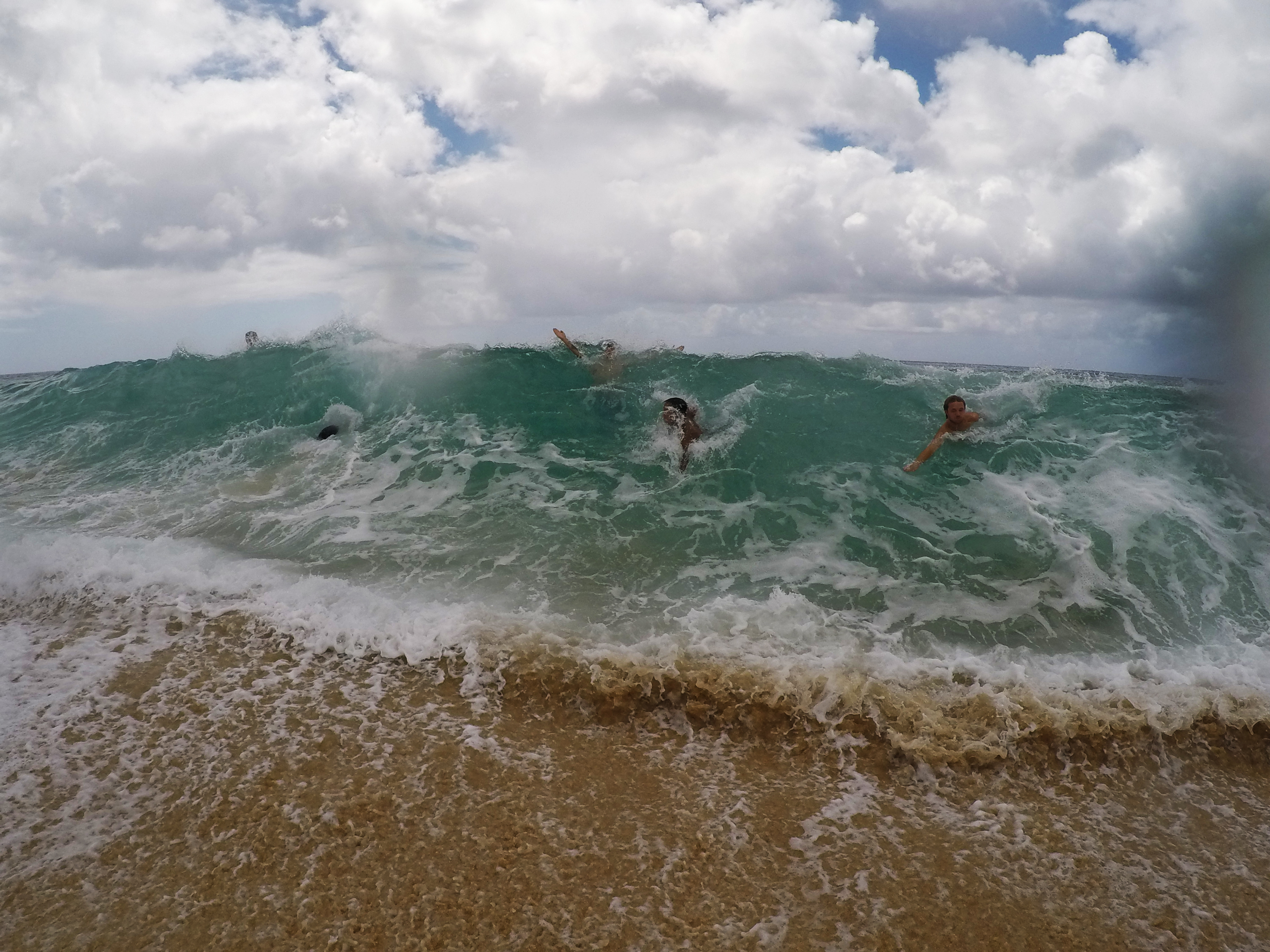 Giant Waves at Pipeline Beach, Hawaii Northshore