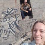 Dennis og Cecilie ved bunkerne på Vigsø Strand, Vestjylland